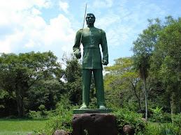 Monumento a los defensores de Ybycui