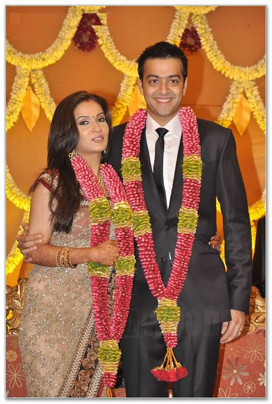 Rajinikanth's daughter Soundarya marriage / reception news / photos
