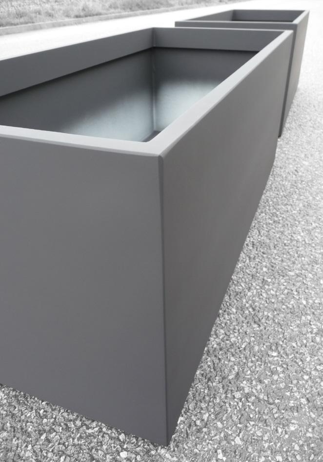 Galerie photos bacs sur mesure image 39 in irm 125 55 h50 - Jardiniere zinc rectangulaire ...
