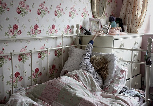 С утра легко просыпаетесь или нежитесь в постельке!