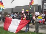 Apoyo en la embajada de Ecuador rechazando el intento de golpe de estado
