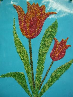 Réalisation scolaire : tulipes en perles