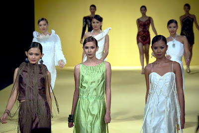 philippine fashion week 2009 holiday models designers celebrity runway shanon pamaong photos filipino