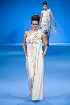 philippine fashion week 2009 holiday czarina villa models designer runway show SMX photos