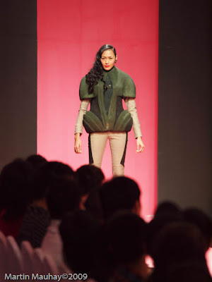 Kermit Tesoro Philippine Fashion Week Spring Summer 2010 Luxewear