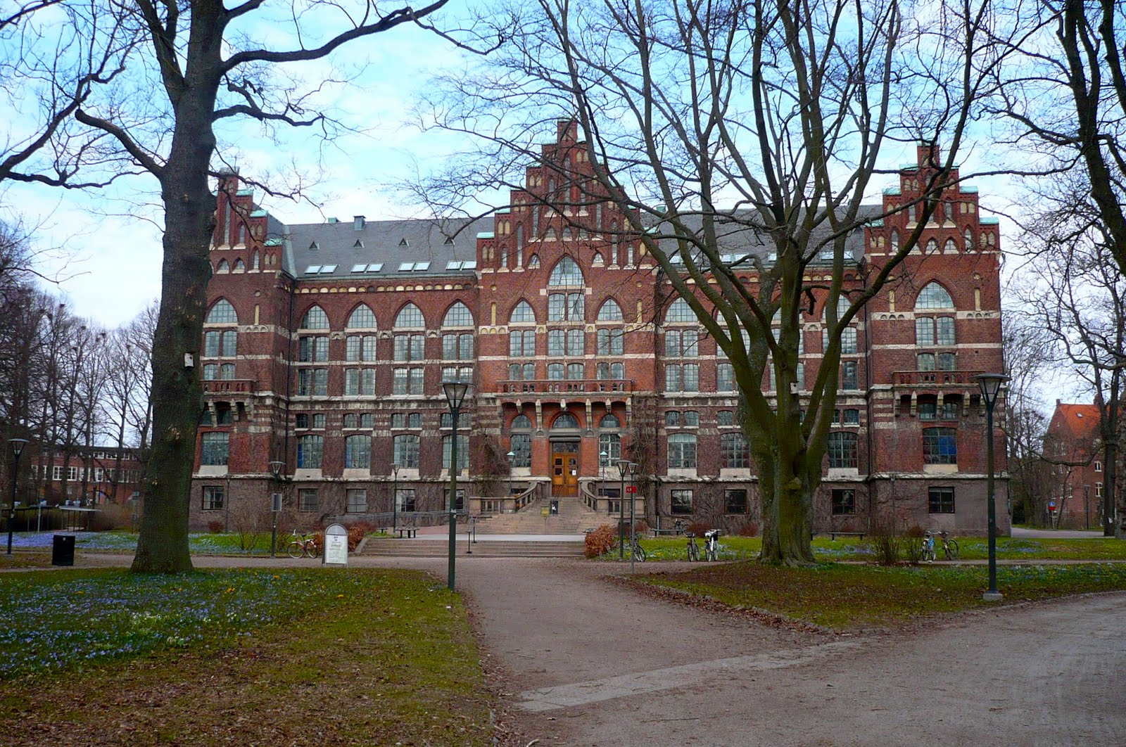 lund university dissertations The biodiversity heritage library works collaboratively to make biodiversity literature openly available to the world as part of a global biodiversity community.