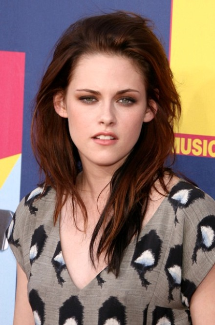 woman stupor smile burnout kristen stewart