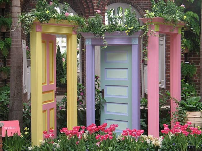 Modern-design-Feng-Shui-style-doors-with-yellow-purple-and-pink-colors-and-flowers