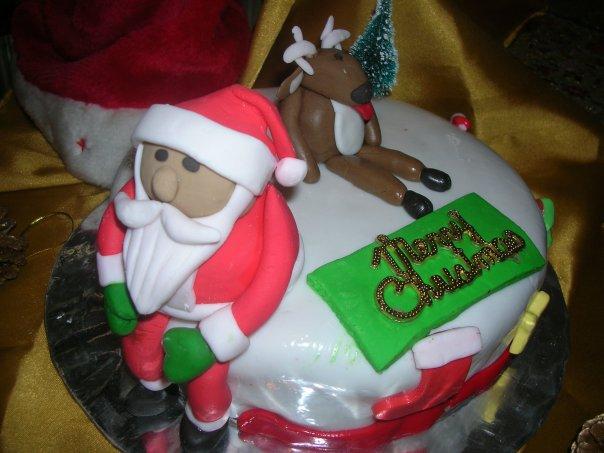 CHARACTER CHRISTMAS CAKE