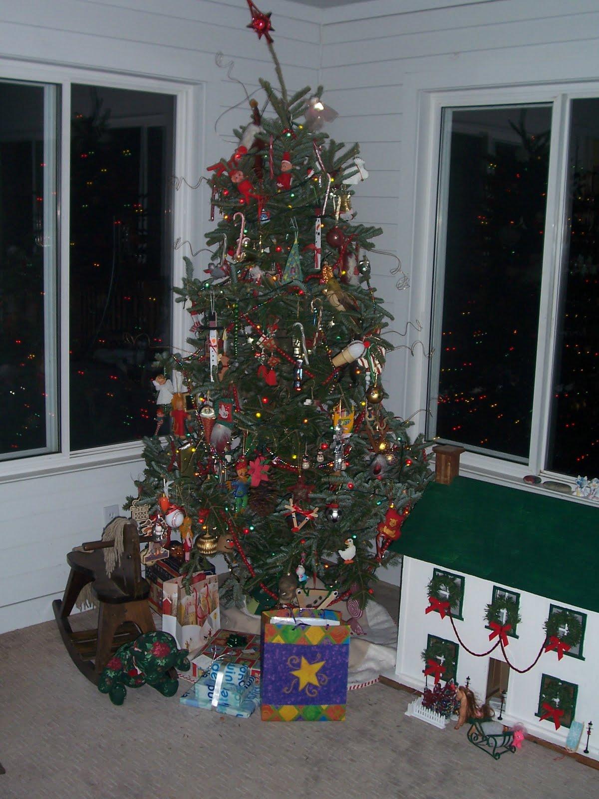 Doll House At Christmas