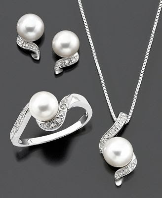 Diamond and Cultured Freshwater Pearl
