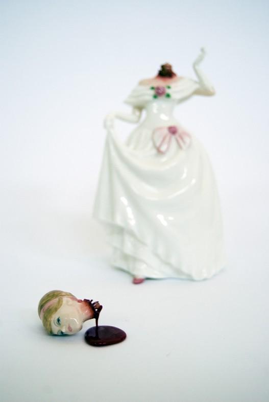 http://4.bp.blogspot.com/_XdP6Lp2ceqY/TERpELgVnEI/AAAAAAAAWyc/wjb02z41VgE/s1600/Figurine5.jpg
