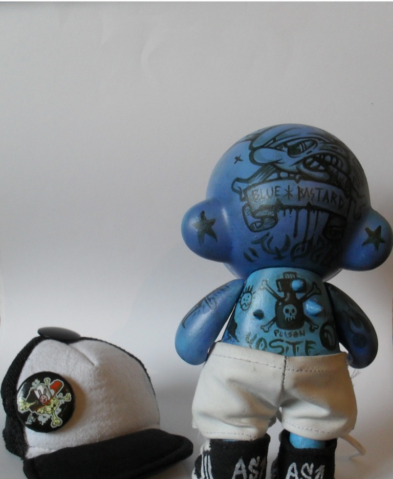 Labels: munny, smurf, tattoo, vinyl