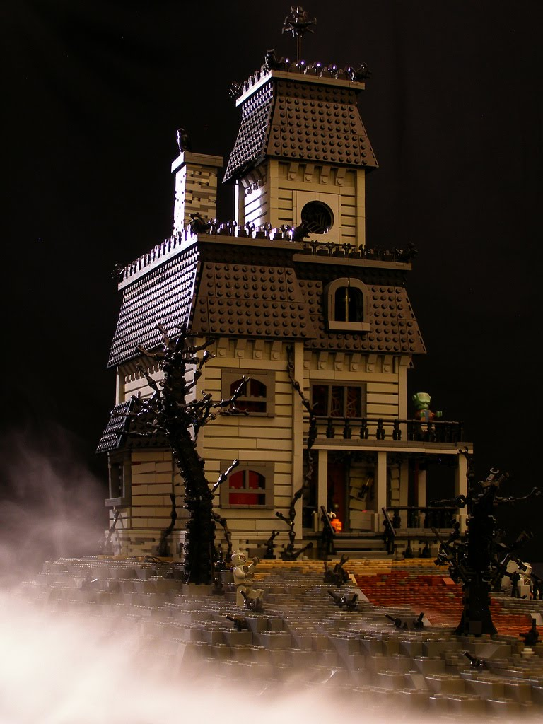 Geek Art Gallery Lego Creations Haunted Mansion
