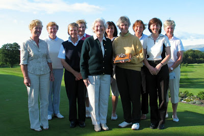 Toni Moffat presents the Prizes at the 2007 Scottish Seniors --- Click to enlarge
