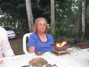 HAZ CLIK EN LA FOTO DE ANA MARIA LORENTE PARA VER VIDEO.