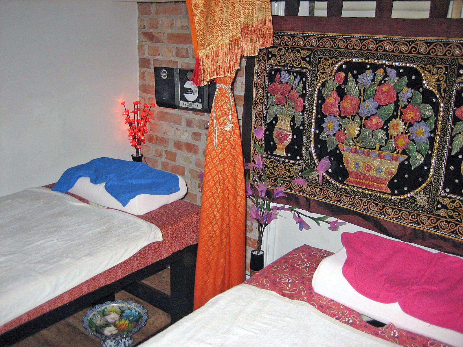 äldre kåta kvinnor intim massage stockholm