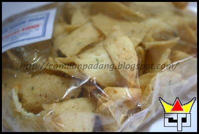 Camilan Padang KUE BAWANG MEDAN (Close Up)