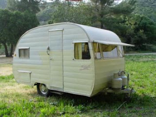 I dream of owning a vintage trailer.