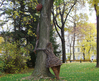 tree hugger (onemorehandbag)