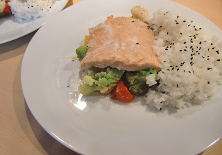 salmon with veggies lunch (onemorehandbag)