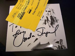 signed by Vonda (onemorehandbag)
