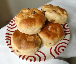scones (onemorehandbag)