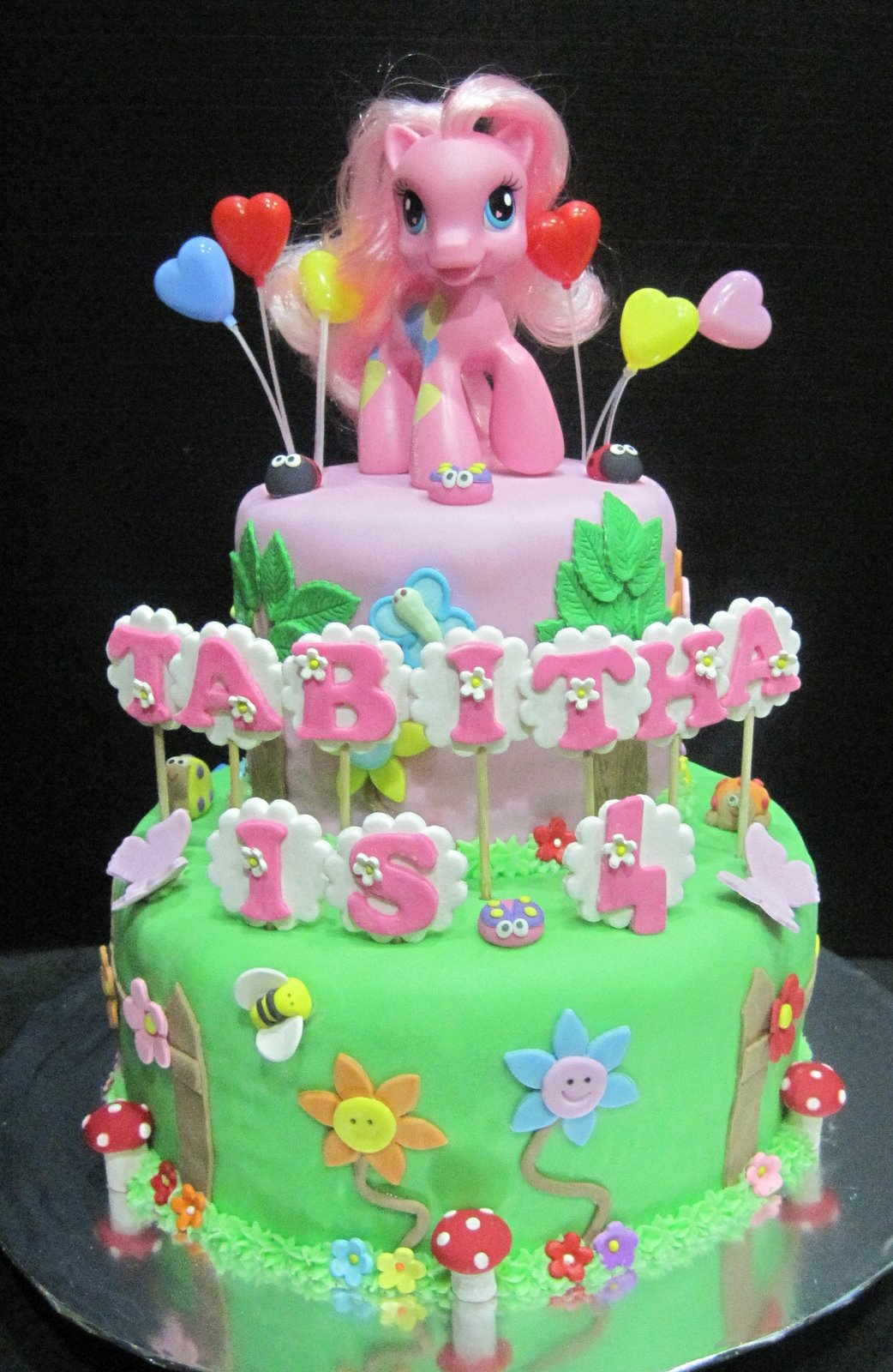 Cake Designs My Little Pony : Cupcake Divinity: My Little Pony Cake