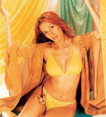 Kashmira Shah bikini yellow