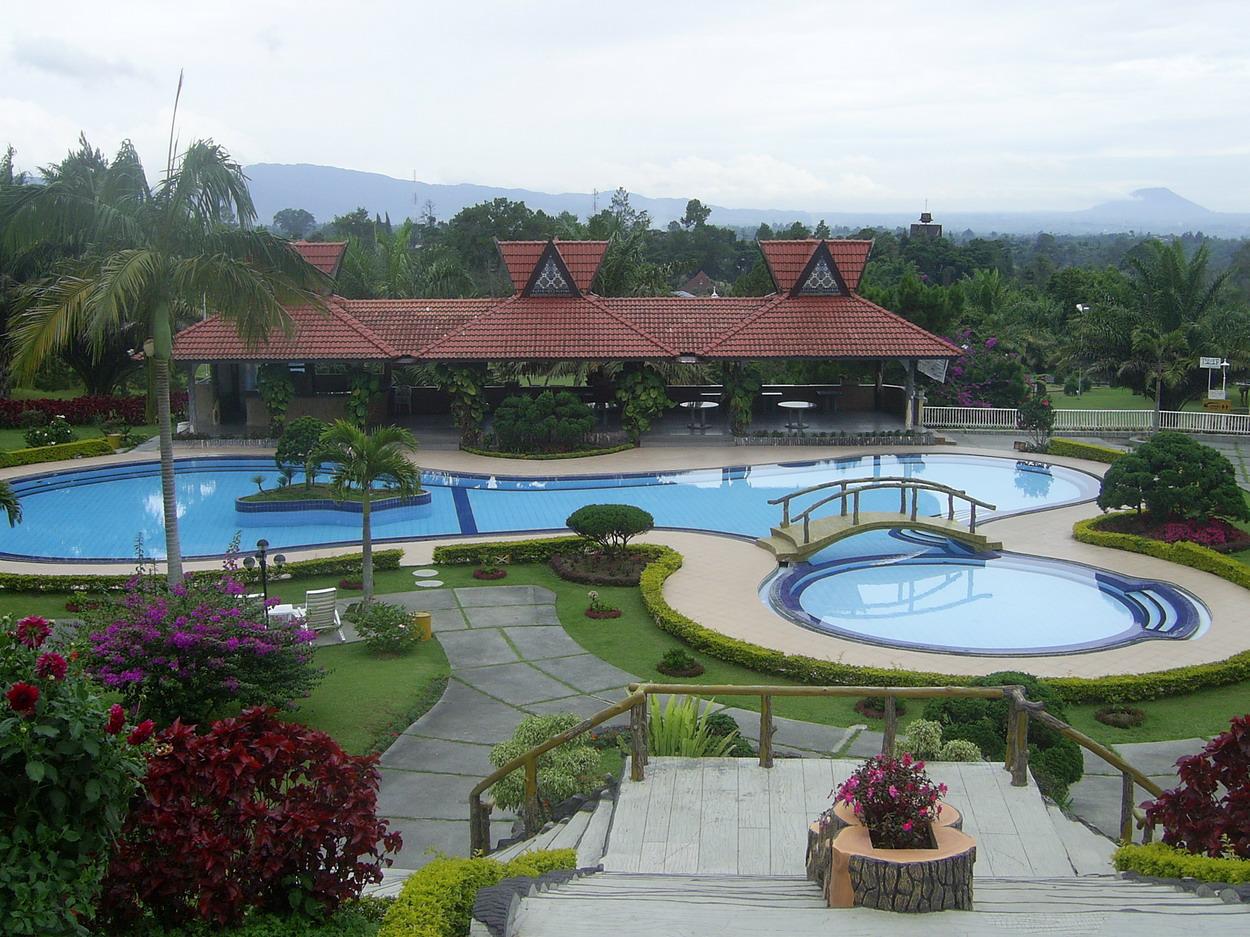 Jasa design kolam renang terbaik di batam master of gardening art landscaping fish ponds for Artificial swimming pool for sale