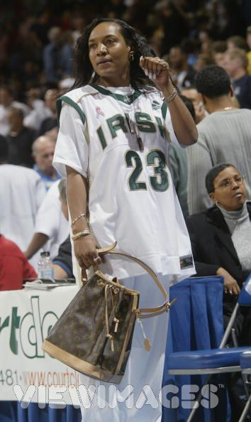 lebron james mother delonte west. delonte west lebron james mom