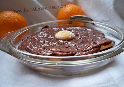Articole culinare : Desert Rapid cu Ciocolata