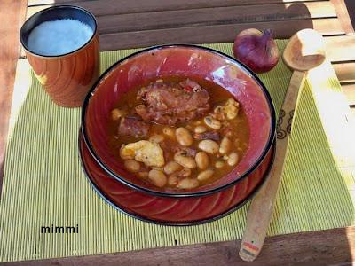 Articole culinare : Fasole la ceaun