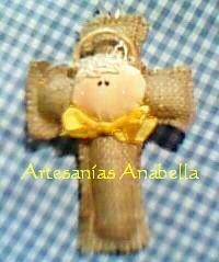 Angelito en cruz de arpillera