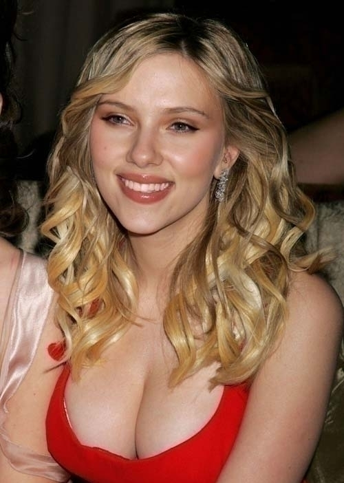 Celebrity Photo Maniac The Best Celebrity Cleavage