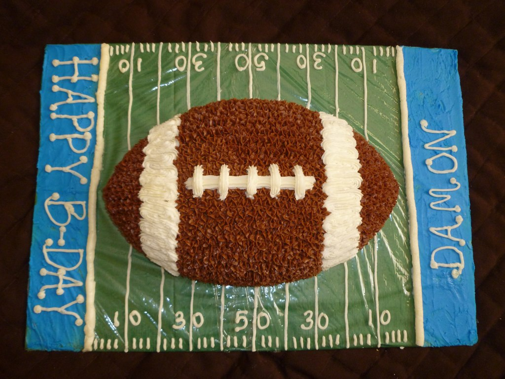 Football Cake Decorating Ideas How To Make : Indulge With Me: Football Cake