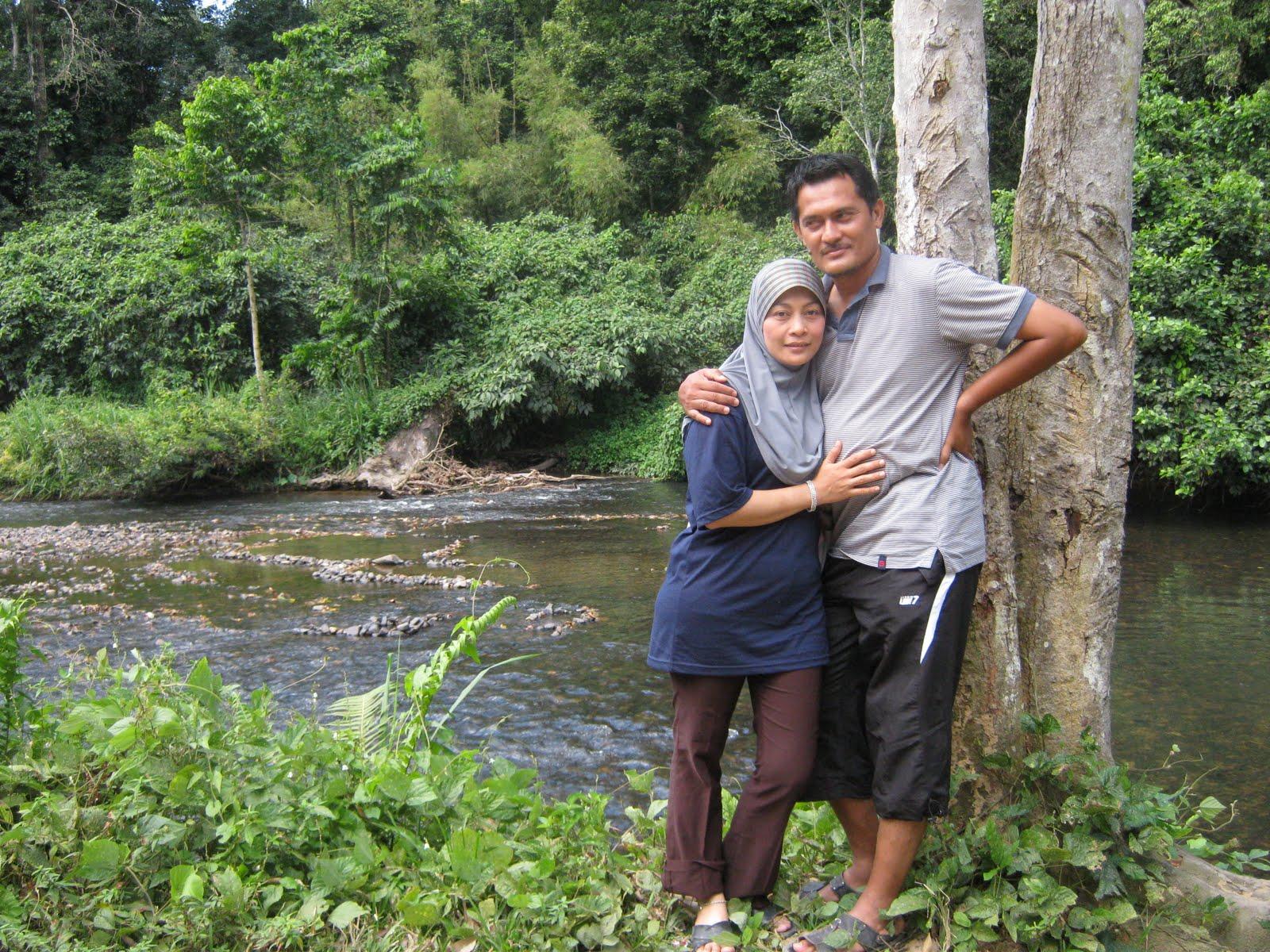 Hello-bloggie: mandi di sungai