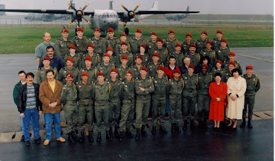 """""""En 2007, la disparition de la PMP (Préparation militaire parachutiste) n'avait pas fait vibrer les foules. Pourtant, elle aura, durant près de 60 ans, amené aux troupes parachutistes des tas de jeunes """"fanamili"""" CNIP"""