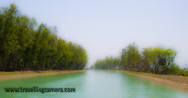 Photo Journey on Manali-Chandigarh Highway - Punjab Region : Posted by VJ on www.travellingcamera.com: After reaching planes of punjab, after going down from Srwaghat ,we encounter first water stream near Kiratpur (Gurudwara Road)... with a huge board saying