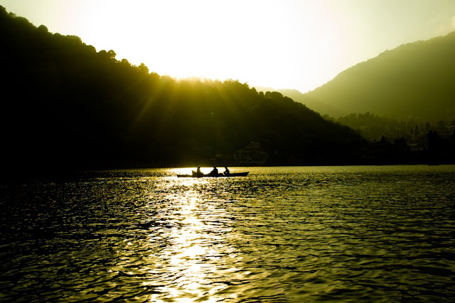 MUKTESHWAR & NAINITAAL: Nainital is a glittering jewel in the Himalyan necklace, blessed  with  scenic  natural spledour and varied natural resources . Dotted with lakes , Nainital has earned the epithet of  'Lake   District'   of  India . The most prominent of the lakes is Naini lake ringed by hills