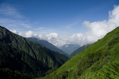 Posted by Ripple (VJ) : A view of Valley of Flowers @ Shrikhand Mahadev