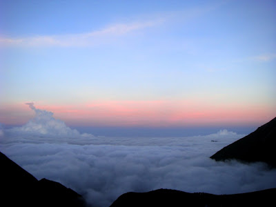 Posted by Ripple (VJ) : Early Morning view from Parvati Baag @ Shrikhand Mahadev