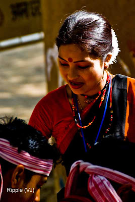 Posted by Ripple (VJ) : Faces of India @ Surajkund Fair : Simple Rural Outfit and Makeup.