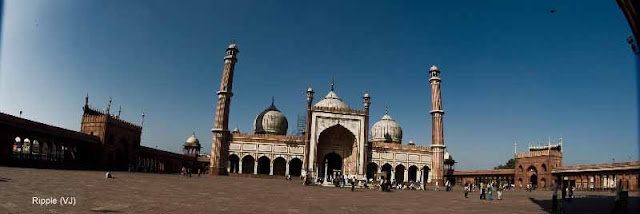 Posted by Ripple (VJ) : Delhi 6 - Jama Masjid : Panorama of the Masjid Complex