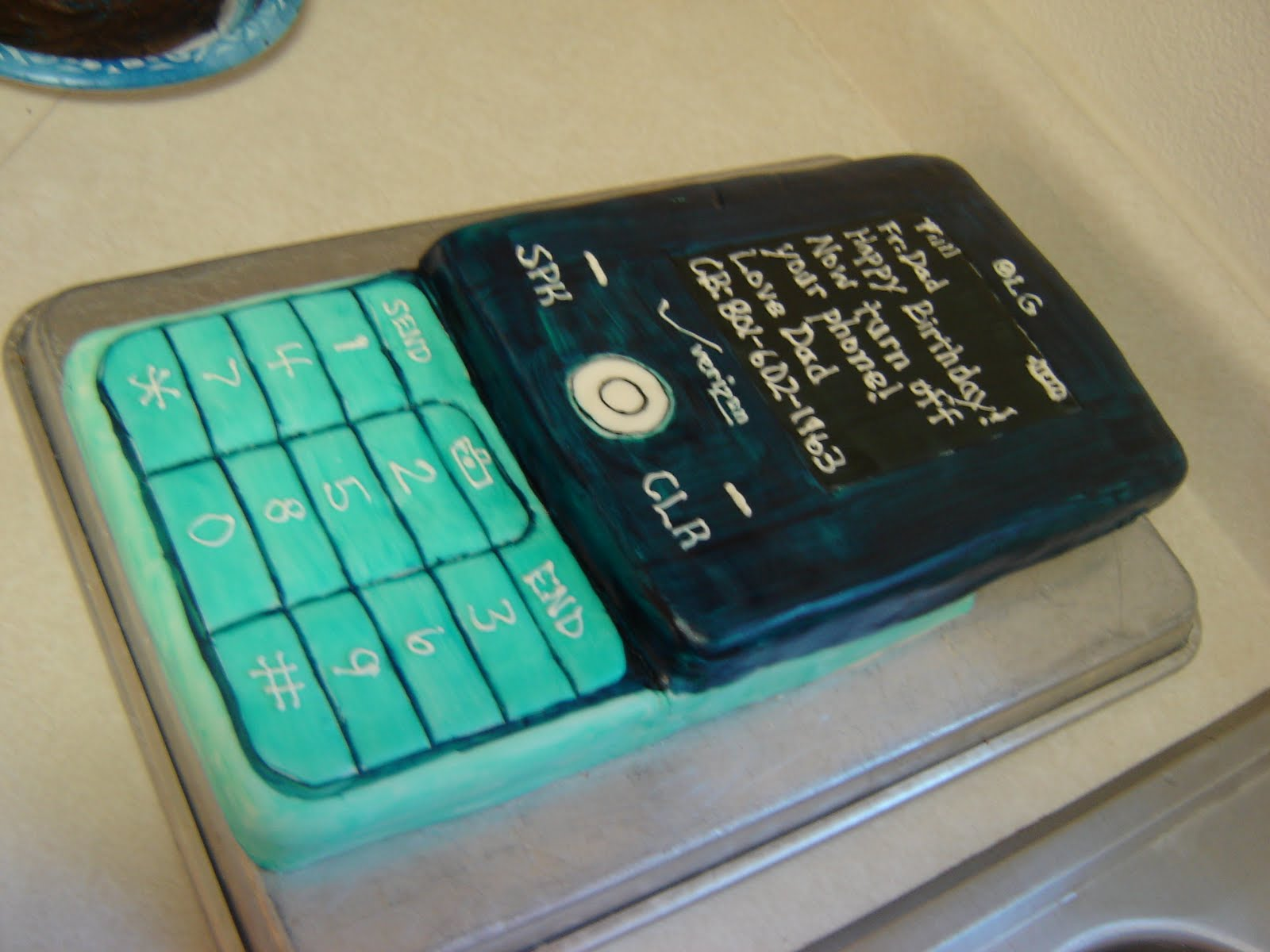 Delectable Cakes Cell Phone Cake