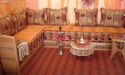 Salon marocain bois rouge les photos de la menuiserie for Porte de salon marocain