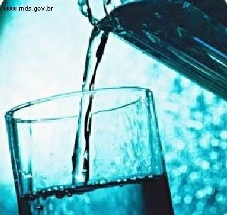 http://4.bp.blogspot.com/_Xy2W5CX6UDQ/SvtCG4rTpOI/AAAAAAAAAFE/KZbPTWfXR-4/s320/%C3%A1gua.jpg