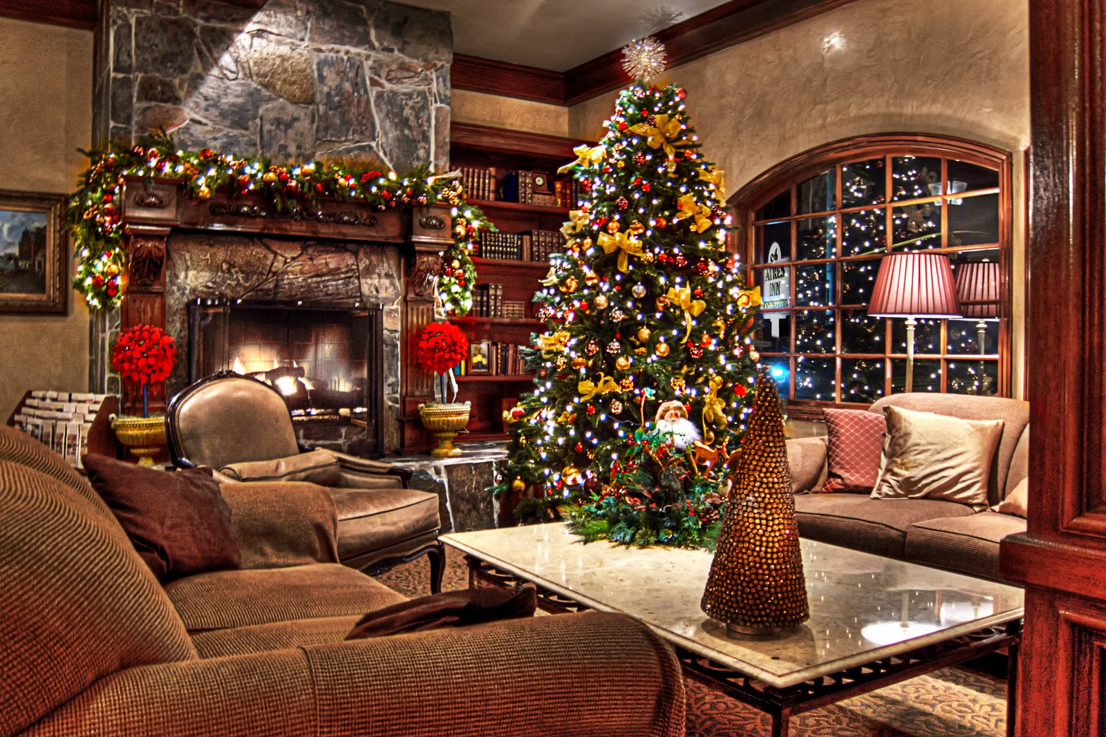 Christmas Decorations In Hotel Lobby : Southern california hotel ayres