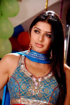 Bhumika hot photos