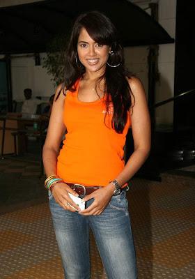 Sameera reddy hot picture